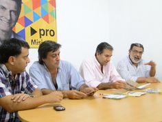 Schiavoni en reunión con el equipo de PRO Misiones en Posadas