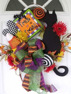 """Trick~Or~Treat Wreath..."""