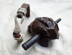 EE2 - Men's brown leather bracelet with silver plated hook clasp