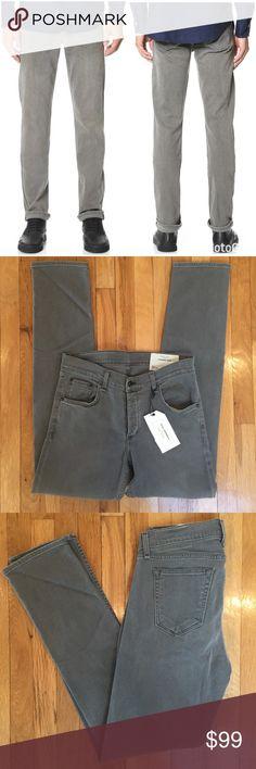 NWT Men's Rag & Bone Standard Issue Slim Leg Jeans Rag and Bone Standard Issue Men's Fit 2 slim leg jeans in iron wash gray.   Size 32. Brand new with tags. rag & bone Jeans Slim Straight