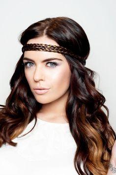 Headband et cheveux boucles