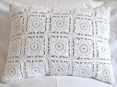 Doilie Square cushion