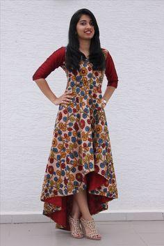 7 Ways To Look Chic In Kalamkari is part of Kalamkari dresses - India has a rich textile heritage & kalamkari is one Kalamkari has a tedious process which is done manually Here are few ways how you can use Kalamkari Salwar Designs, Kurta Designs Women, Kurti Designs Party Wear, Blouse Designs, Chudidhar Designs, Indian Gowns Dresses, Indian Outfits, Kalamkari Dresses, Kalamkari Kurti