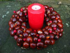 what to do with all the conkers. Thanks to Birgit for the idea! Homemade Christmas Gifts, Homemade Gifts, Christmas Crafts, Autumn Crafts, Nature Crafts, Fall Projects, Craft Projects, Craft Ideas, Christmas Tablescapes