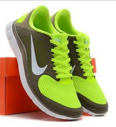 Nike Free Runs for Women Discount Nike Shoes, Nike Shoes Cheap, Nike Free Shoes, Nike Free Runs For Women, Mens Fashion Shoes, Shoes Outlet, Sports Shoes, Running Shoes, Style Me