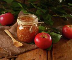Dersom du glemmer at eplemosen står og koker, oppstår noe magisk. Nemlig eplesmør. Kjempegodt som pålegg på brødskiven, kakefyll, m.m.