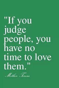 Blessed Mother Teresa quote. Catholic. Trata a las personas como quieras que te traten a tí.
