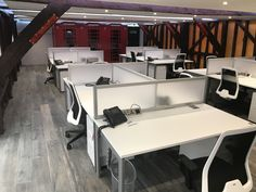 No matter what type of working style you have, the co-working space must exhibit a positive and cheerful vibe. Accrue Workplaces offer a Co-Working Space in Surrey that is designed in a way to bring out the best in you.