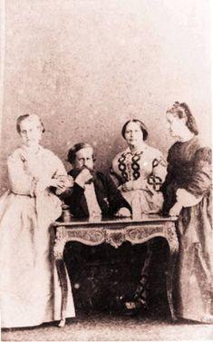 A família imperial: a princesa Leopoldina, D. Pedro II, D. Teresa Cristina e princesa Isabel
