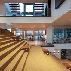 moderner Flur, Diele & Treppenhaus von Serrano Monjaraz Arquitectos