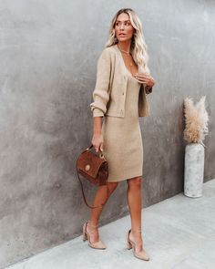 Sweater Dress Outfit, Dress With Cardigan, The Dress, Sweater Dresses, Nude Outfits, Classy Outfits, Fashion Outfits, Earthy Outfits, Spring Work Outfits