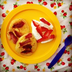 strawberry & orange buttermilk pikelets