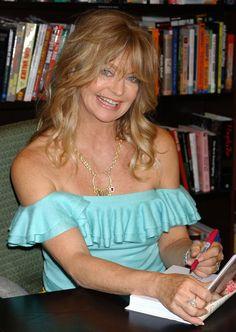 Pin for Later: Saviez-Vous Que Ces 25 Stars Sont Gauchères? Goldie Hawn