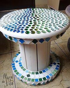 Mosaicos e reciclagem no Mural da Vila