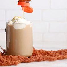 Combined with our raw and unfiltered honey, this hot coffee with Irish whiskey will be a sweet toast to celebrate all the wins from your day. Coffee Smoothie Recipes, Tea Recipes, Coffee Recipes, Dessert Drinks, Fun Drinks, Alcoholic Drinks, Desserts, Beverages, Summer Drinks