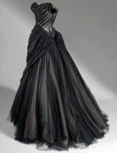 Vintage Charles James Gown. No wonder he inspired Dior