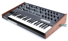 Sequential Circuits Pro One   Vintage Synth Explorer