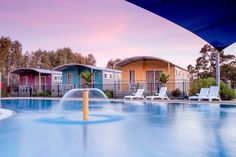 The 3 Bedroom Resort Villas at BIG4 Deniliquin are ideal for large families or a group of friends to stay in.