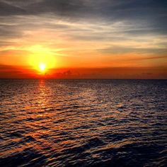 Sunsets over the Floridian Keys #travel #sirwanderlust #adventure #sunset