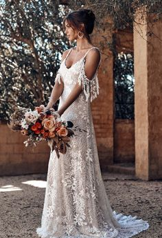 Sol Grace Loves Lace Jurkjurk Bruid Bridal Rok Mode Bruiloft … - Fashion for teens Grace Loves Lace, Bridal Skirts, Top Wedding Dresses, Bridal Gowns, Lace Dresses, Wedding Gowns, Dress Lace, French Wedding Dress, Bridal Lace