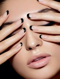 Nude nails & black tips - stylish, alternative french manicure. This is the new French nails! Black Nail Art, Black Nails, Black Manicure, Black French Nails, Black Nail Tips, French Polish, Pink Nails, French Nail Art, Colorful Nails