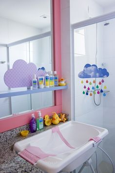 Fun and Cheerful Kids Bathroom Ideas for Exciting Shower Time- Fun and Cheerful Kids Bathroom Ideas for Exciting Shower Time Shower routines can be either fun or stressful moment,… - New Bathroom Designs, Girl Bedroom Designs, Girls Bedroom, Baby Decor, Kids Decor, Home Decor, Nursery Room, Baby Room, Baby Bathroom