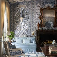 Kips Bay Dallas show house opened today and we had the pleasure of collaborating with Mark Sikes on the walls and ceiling of the living… Alcove Seating, Dallas Show, Mark Sikes, American Decor, Hanging Lanterns, Design Firms, Window Coverings, Source Of Inspiration, Art Decor