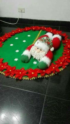 Felt Christmas Decorations, Christmas Wreaths, Christmas Crafts, Christmas Ornaments, Holiday Decor, Garland Hanger, Christmas Time, Xmas, Homemade Christmas Gifts