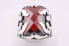 http://rubies.work/0895-sapphire-pendant/ 1033-ruby-rings/ 0619-multi-gemstone-ring/ How would you describe this? Ruby for Mens