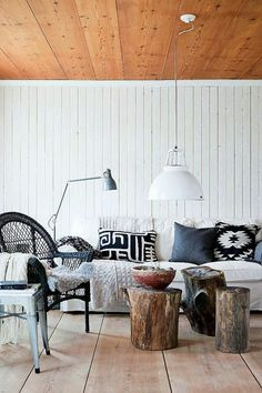 Couchtische massivholz Baumstamm hängelampe weiß