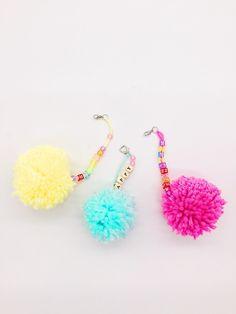 Schlüsselanhänger mit Pompoms selber machen