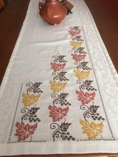 Crochet Flower Patterns, Baby Knitting Patterns, Crochet Flowers, Embroidery Stitches, Embroidery Patterns, Cross Stitch Geometric, Bargello, Cross Stitch Flowers, Chain Stitch