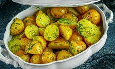 Cartofi noi cu unt şi mărar la cuptor – gustoși, ușor de făcut și sănătoși! Trebuie să faci măcar o dată, această rețetă delicioasă: Food Categories, 20 Min, Potatoes, Unt, Dishes, Vegetables, Cooking, Recipes, Green