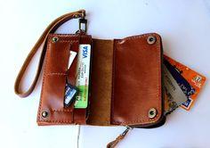Braccialetto di portafoglio di Bifold marrone in pelle iPhone con zip grande on Etsy, 28,12€