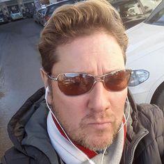 (3) Randivonal ❤ Attila - társkereső Wien - 45 éves - férfi (3031859) Wii, Pilot, Mens Sunglasses, Marvel, Fashion, Attila, Moda, Fashion Styles, Pilots