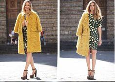 Oversized coat. Mustard-moss green combination. SVW hairstyle. Classic Chiara Ferragni.