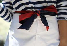 Navy and white stripes.with red. Prep Style, Style Me, Blue Style, Style Blog, Mode Bcbg, Estilo Preppy, Nautical Fashion, Preppy Fashion, Looks Vintage