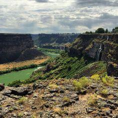Snake River Gorge, Twin Falls, Idaho.  Photo by Rita Mahon #snakeriver #visitidaho  #exploreidaho #idaho #idahome #idahogram Twin Falls, Idaho, British Columbia, Wyoming, Nevada, Montana, Westerns, Oregon, Arizona