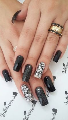 As far as the fall/ winter 2018 nail trends go, simplicity was on display, especially when compared Cute Acrylic Nail Designs, French Nail Designs, New Nail Designs, Colorful Nail Designs, Aycrlic Nails, Pedicure Nails, Swag Nails, Nail Polish Style, Nail Polish Colors