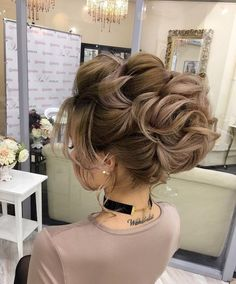 The secret to a shiny head of hair sans grease is actually an oil #weddinghairstyles