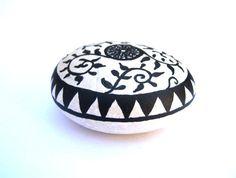 Piedra+Pintada++Piedra+original+pintada+a+mano+por+MalenaValcarcel
