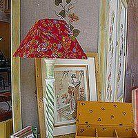 Dans le séjour, le salon ou la chambre, une lumière d'appoint apporte LA touche d'ambiance qui peaufine le décor. A partir d'une carcasse et d'une chute de tissu, il est plutôt facile de créer un abat jour très personnalisé. Luminaire Original, Lampshades, Decoration, Free Printables, Aide, Inspiration, Home Decor, Home Decoration, Decor
