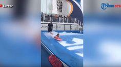Video Celana Dalam Cewek Cantik Ini Melorot Saat Simulasi Surfing