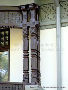 Stalpi totem Wood Texture, Home Decor Kitchen, Traditional House, Romania, My Dream Home, Wood Art, Homesteading, Pergola, Exterior