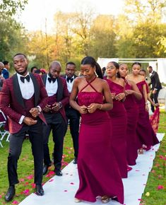 coming thru, give way. Can sense that dance move is definitely to a looking and African Bridesmaid Dresses, African Wedding Attire, Mermaid Bridesmaid Dresses, Bridesmaids And Groomsmen, Wedding Bridesmaids, Groomsmen Tuxedos, Ghana Wedding, Wedding Suits, Wedding Dresses