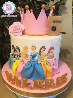 Disney Princess Birthday Cakes, Princess Theme Party, Birthday Cake Girls, 5th Birthday, Cake Decorating Videos, Birthday Cake Decorating, Princess Torte, Princesas Disney, Themed Cakes