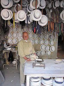 Paja toquilla hatmaker, Cuenca, Ecuador