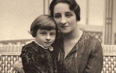 Ioana Valentina (Zizi) Lambrino cu fiul ei, Mircea Carol, născut la Bucureşti în 1920. Descendants, Queen Anne, Edinburgh, Amen, Queens, Couple Photos, Home, Romans, Shelf