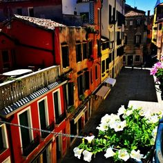 Another great view from #HotelSanSamuele in #Venice. #gorgeous #travel #love #colors #italy  www.fleetinglife.com
