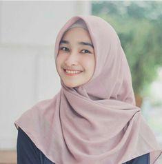 Romance - Spiritual #1 in Romanceislam 22 febuari 2019 #2 in Indone… #percintaan # Percintaan # amreading # books # wattpad Hijabi Girl, Girl Hijab, Handsome Prince, Hijab Tutorial, Hijab Chic, Beautiful Hijab, Muslim Women, Hijab Fashion, Cute Girls